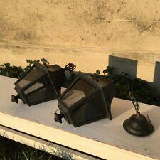 2 lanternes en métal noir et électrique
