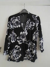 Stretchy Black Grey White Floral V Neck Wrap Look Top in Size 12 Petite - NWOT