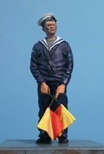 1/35th WWII Royal Navy Sailor with Semaphore Flags Wee Friends WF35045 unpainted