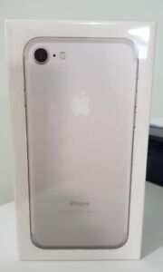 Apple iPhone 7 - 256GB -Silver (UNLOCKED) AT&T T-Mobile Metro Cricket