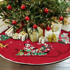 Disney Store Mickey and Friends Holiday Cheer Tree Skirt Christmas 2020  BNWT