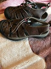 keen women's sandles, size 9.5 in perfect condition, worn a couple of times