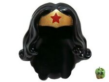 LEGO - Minifig, Headgear Hair Long Wavy - Gold Tiara & Red Star (Wonder Woman)