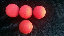3 Balles en mousse rouge + 1 coquille de 1/2 balle diamètre 4 cm (excelsior)