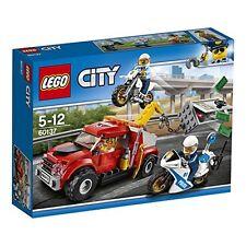 LEGO City Abschleppwagen auf Abwegen Minifiguren Polizisten Ganovin Spielzeug