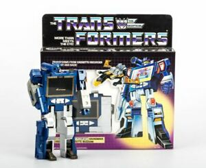 TRANSFORMERS G1 Reissue Soundwave brand new with BUZZSAW cassette