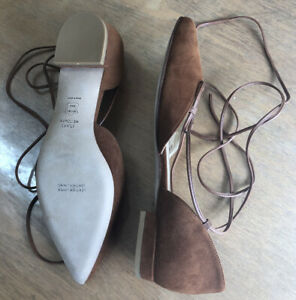 NIB STUART WEITZMAN FLAT SHOES SIZE 38.5  Made In Spain    All Leather