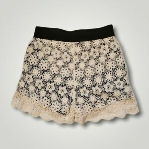 AMERICAN RAG Cie Women's Junior Size Small 26x3 Shorts Ivory Lace Lined in Black