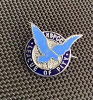 VINTAGE NSPCC LEAGUE OF PITY - CHILDRENS CHARITY ENAMEL BADGE MARPLES & BEASLEY