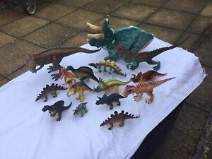 14 Dinosaurs + Hasbro Walking Roaring Triceratops Dinosaur Bundle