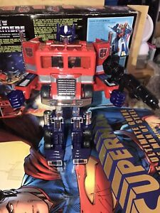 TRANSFORMERS G1 OPTIMUS PRIME, CAB ONLY. Bloated fists version.