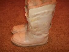 Timberland Winter Snow Boots White Mukluk Womens Size 8M
