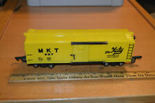 "AMERICAN FLYER 637 MKT ""THE KATY"" YELLOW BOX CAR - BRASS WEIGHTS COUPLERS"