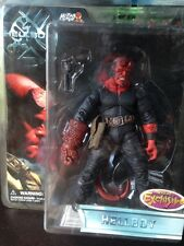 """Hellboy Stealth outfit Previews Exclusive 7"""" HELLBOY ACT FIG BY MEZCO"""