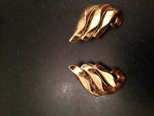TRIFARI VINTAGE SIGNED GOLD TONE PUFF CLIP EARRINGS 1""