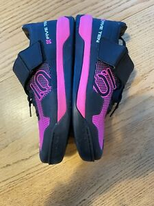 Five Ten Hellcat Pro Cycling Shoes Womens Size 9.5 EU 41 Shock Pink Clipless SPD