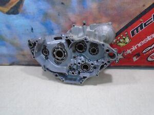 2005 YAMAHA YZ 450F RIGHT & LEFT ENGINE CASE (D) 05 450F 450