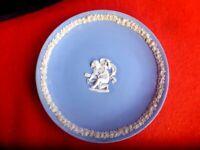 VINTAGE WEDGEWOOD PLATE DIAMETER CHERUB 16cm  MADE IN ENGLAND
