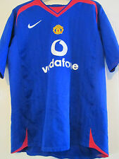 Manchester United 2004-2005 Away Football Shirt Size 13-14 years / 40040