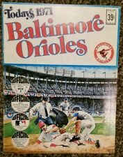 Baltimore Orioles Today's 1971 Official Picture Stamps Book DELL Frank Robinson