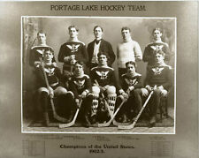 First Pro Hockey League Portage Lakers 1902-1903 Vintage Hockey Sticks Pads LOOK