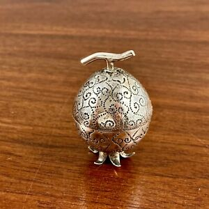MIDDLE EASTERN FIGURAL 900 SOLID SILVER HAND CHASED PILL BOX POMEGRANATE