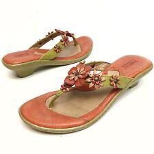 BORN Women's Leather Flower Thong Sandals Slides Sz 9 Eu40.5 Kitten T-Strap EUC