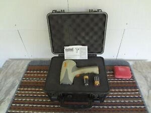 BUSHNELL VELOCITY SPEED RADAR GUN BASEBALL, SOFTBALL, TENNIS , RACING