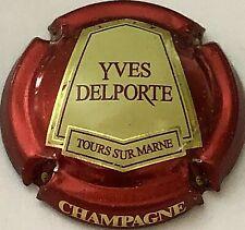 Capsule de champagne DELPORTE Yves (15c. Contour rouge métallisé)