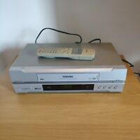 Vintage Toshiba VHS Video Cassette Player V252UK With Remote Spares or Repairs