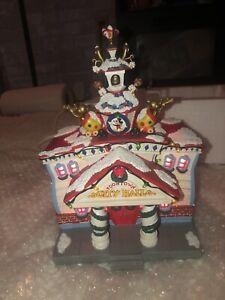 Disney Toontown 'CITY HALL' Christmas 🎄 Village Light Up DisneyLand orginal box