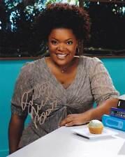 Yvette Nicole Brown In-Person AUTHENTIC Autographed Photo COA SHA #39416