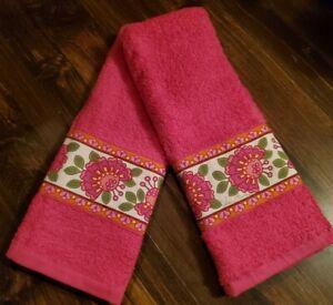Vera Bradley Inspired Decorator Hand Towels LILLI BELL TRIM Bright Pink Towels