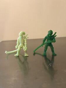 Mega construx xenomorph green and glow in the dark aliens