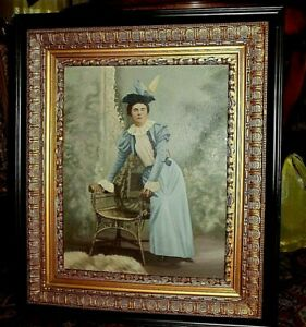 ANTIQUE PORTRAIT PAINTING (DISTINGUISHED YOUNG LADY) - OUTSTANDING COMPOSITION