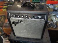 "FENDER ""Squier"" series Frontman 15b Bass Amp Guitar Amplifier - good pre-owned"