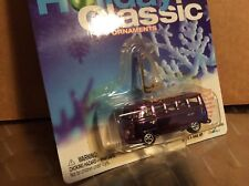 V W 21 window bus van Johnny Lightning 2002 Holiday Classic 1/64 CRAGERS RR