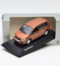 Minichamps VW Cross Touran Baujahr 2007 in orange metallic, 1:43 , OVP, 103/24