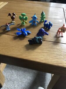 pokemon figures  X 10