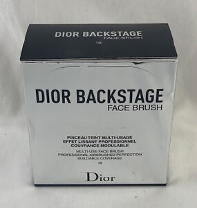 Dior BACKSTAGE Multi-Use Face Brush #18