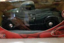 MotorMax 1941 Green Plymouth Truck 1:24 Scale Diecast (NIB)