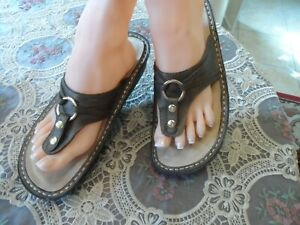 Alegria Brown Leather Embellish Thong Sandals Size 38B US 8/8.5M