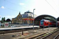 PHOTO  GERMAN RAILWAY -  HALLE STATION 09/12