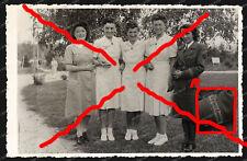 Foto-AK-Blitzmädel-Wehrmachthelferin-Krankenschwestern-Ärmelband-Girls-Zagreb