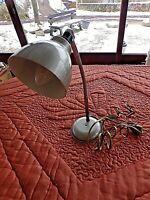 Ancienne lampe de bureau articulée orientable en métal chromé-déco industrielle