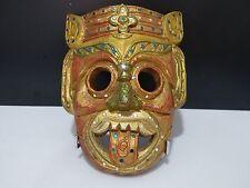 Masque éthnique, en bois décoré
