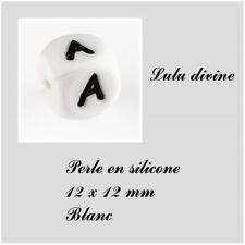 Perle en silicone alphabétique de 12 x 12 mm, Blanc : Lettre A Lot de 10 perles