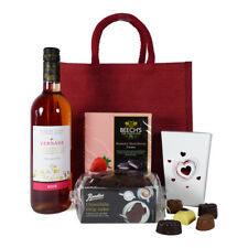 Christmas Wine and Chocolate Hamper with 75cl Versare Rose Wine