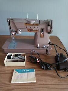 SINGER HEAVY DUTY STYLE-O-MATIC 328K SEWING MACHINE WITH ACCESSORIES & MANUAL