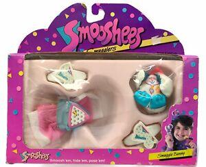 Vintage Fisher Price Smooshees Smugglers Smuggle Bunny 1988 New